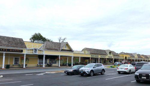 Wildwood Shops parking lot