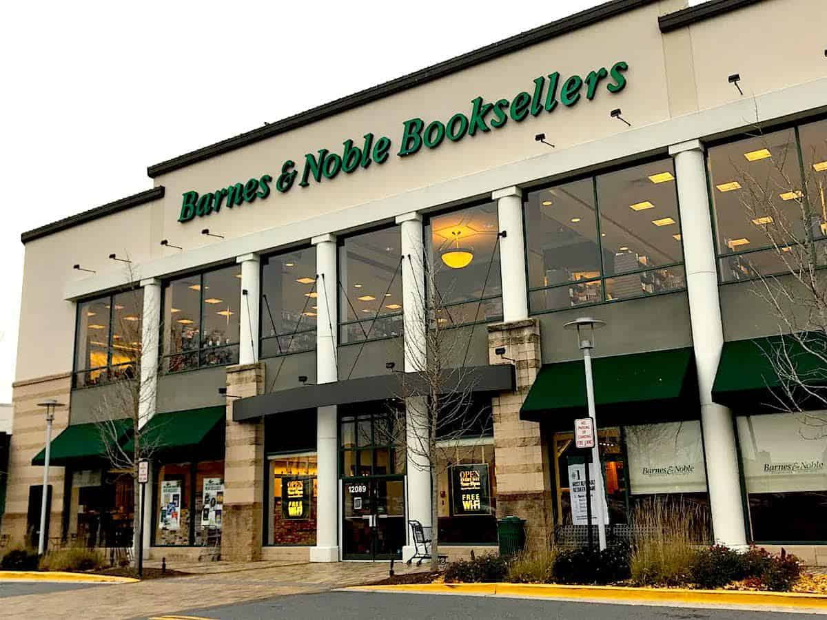 New chapter for Rockville Barnes & Noble, new pizza on the